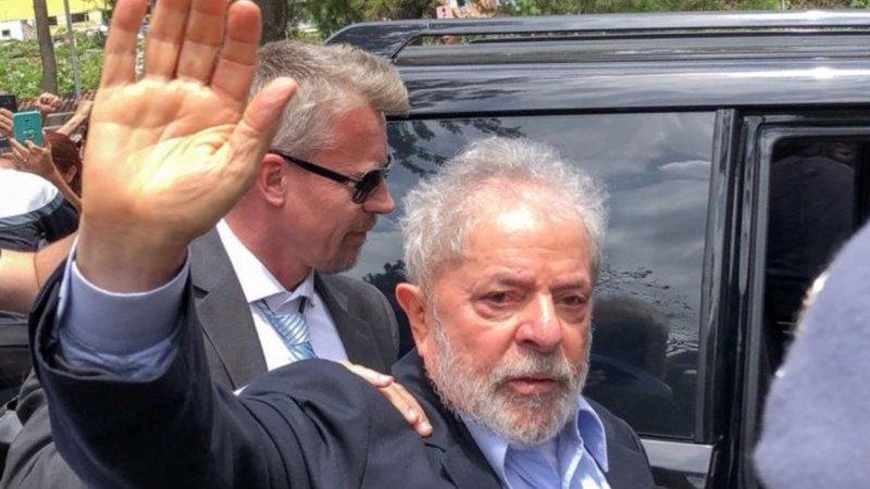 Juez del Supremo Tribunal brasileño pide liberar a Lula