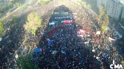 Miles se movilizaron al cumplirse dos años de la rebelión popular en Chile