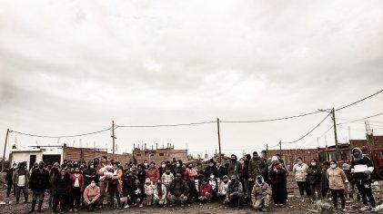 """""""A las maestras, profesores y a sus sindicatos les pedimos apoyo para las familias del Barrio La Ribera Sur"""""""