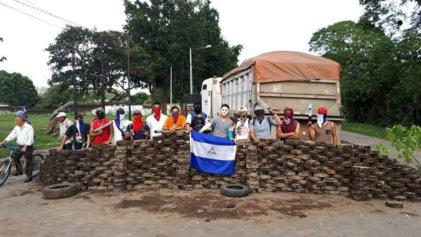 Desde las barricadas de Masaya, una mujer nicaragüense denuncia la represión de Ortega