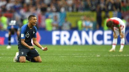 Francia campeona mundial: el equipo de migrantes goleó a una dura selección de Croacia