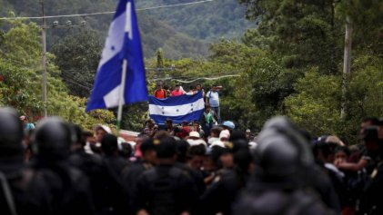 México: Policía Federal reprime a migrantes en la frontera con Guatemala