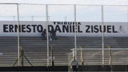 Hinchas y socios de Argentino de Quilmes repudiaron a Daniel Zisuela, expresidente envuelto en causa por prostitución de menores