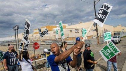 Masiva huelga en General Motors: 49.000 obreros de EE. UU. luchan por su convenio