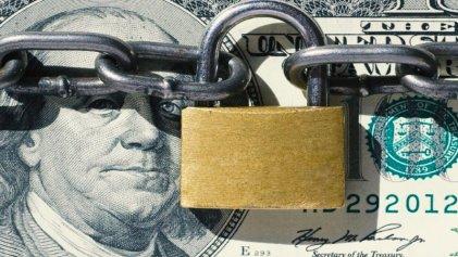 Cada vez menos dólares: cuáles son las tensiones de la economía en la transición