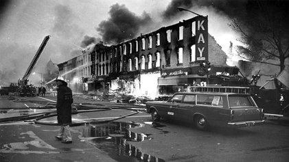 """Las revueltas negras en EEUU: el ascenso de la década del 60 y el """"largo verano caliente"""""""
