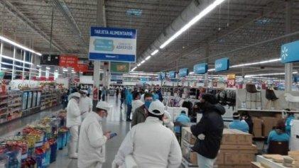 Trabajadores de comercio se solidarizan con empleados de Walmart La Plata