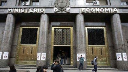 Despiden y adeudan salarios a trabajadores del comedor del Ministerio de Economía