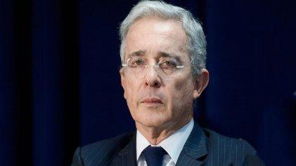 Álvaro Uribe en prisión domiciliaria: dio positivo el testeo de Covid-19