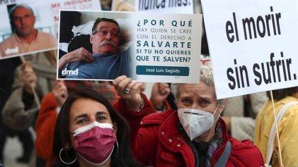 """Se aprueba una ley de eutanasia o """"muerte digna"""" en el Congreso español"""