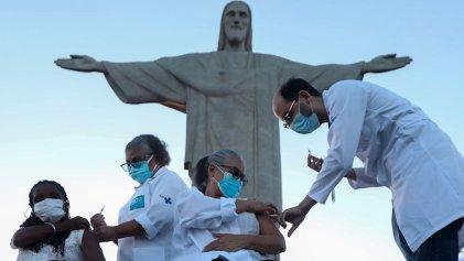 Vacunación universal en Brasil: una pelea contra Bolsonaro y la oposición golpista