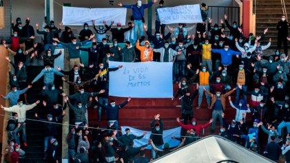 """Migrantes en Canarias protestan contra las políticas racistas del Gobierno """"progresista"""""""