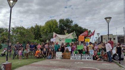 Vecinos de Berisso contra la privatización de espacios verdes
