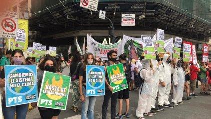 Protestaron en Casa de Chubut contra el plan megaminero de Arcioni y Fernández