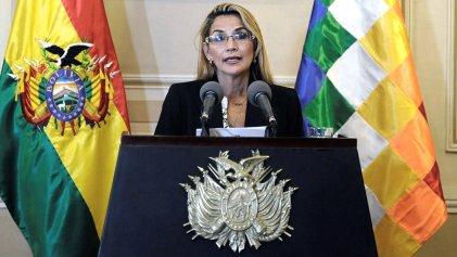 Bolivia: ordenan detener a la expresidenta golpista Jeanine Áñez