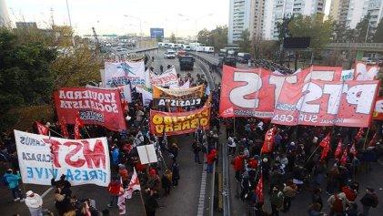 Centros de estudiantes terciarios porteños repudian la represión en el Puente Pueyrredón