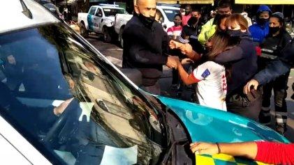 Vendedora ambulante de La Plata denuncia hostigamiento y violencia policial
