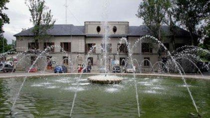 Carmena privatizará la gestión de dos edificios históricos pese a la oposición de los vecinos