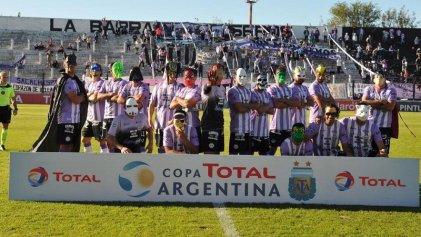 Los héroes de Sacachispas rescataron al fútbol