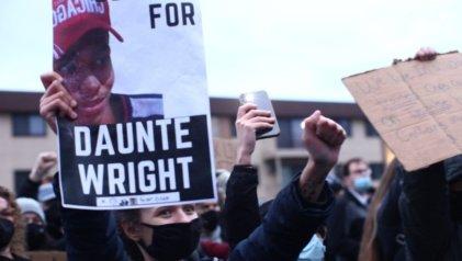 Choferes de autobús de Minneapolis se niegan a transportar a manifestantes arrestados