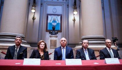 La Corte Suprema busca una salida salomónica para resolver el traslado de los tres jueces