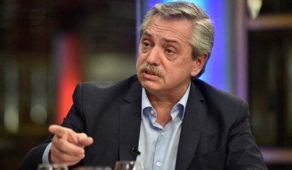 """Pasaron cosas: Fernández no quiere paritarias y habría sumas fijas hasta el """"acuerdo social"""""""