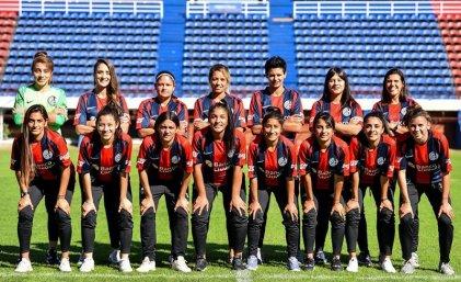 Histórico: Macarena Sánchez y otras jugadoras firmaron con San Lorenzo