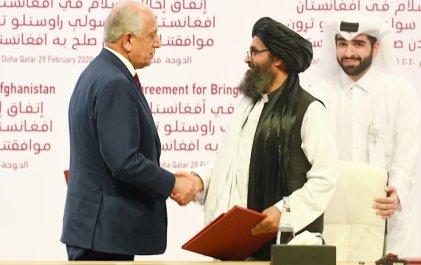 """Estados Unidos y los talibán firman un """"acuerdo de paz"""""""