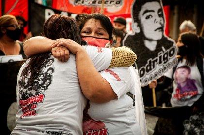 [Fotogalería] Imágenes de la masiva y emotiva marcha contra el gatillo fácil en Córdoba