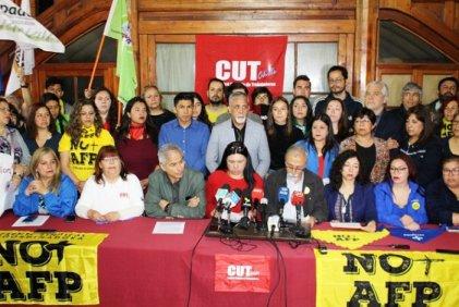 "Sindicatos chilenos convocan a paro general, pero abandonan la consigna ""Fuera Piñera"""