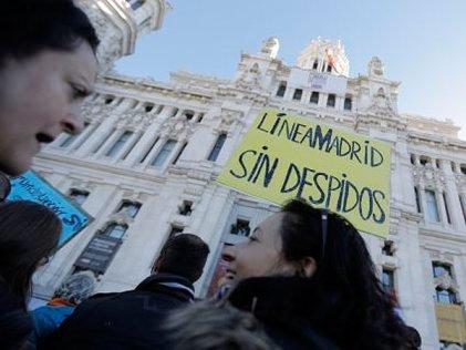 Carmena se enfrenta a su primera huelga: los trabajadores del 010
