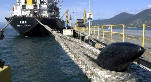 La privatización de Petrobras comenzará por sus navíos