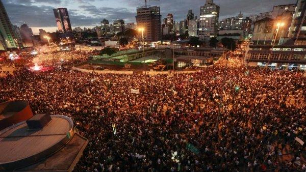 ¿Por qué las masas no salieron a las calles contra la prisión de Lula?
