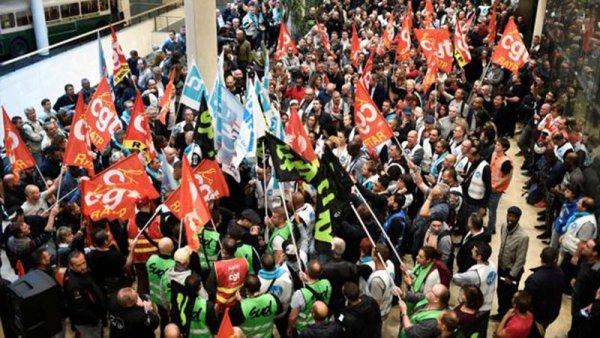 5D: Francia se prepara para la mayor huelga general en décadas