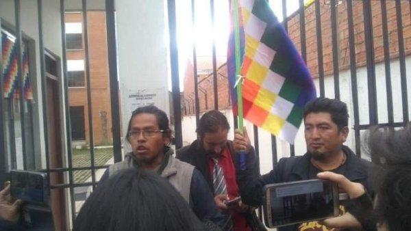 """Carlos Cornejo: """"En Bolivia Áñez mantiene una política privatizadora y usurera de la salud"""""""