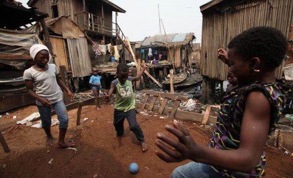 """Nigeria: fútbol, pobreza y refugiados de la nueva """"esperanza"""" argentina"""
