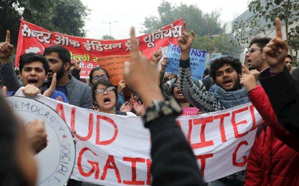 Más de 250 millones de trabajadores participan de la huelga general en la India