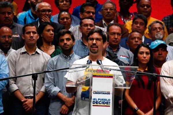 """El PSL a la zaga de la derecha aglutinada en la MUD… """"críticamente"""""""