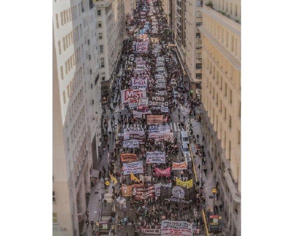 Argentina: contra el ajuste el sindicalismo combativo y la izquierda marcharon a Plaza de Mayo